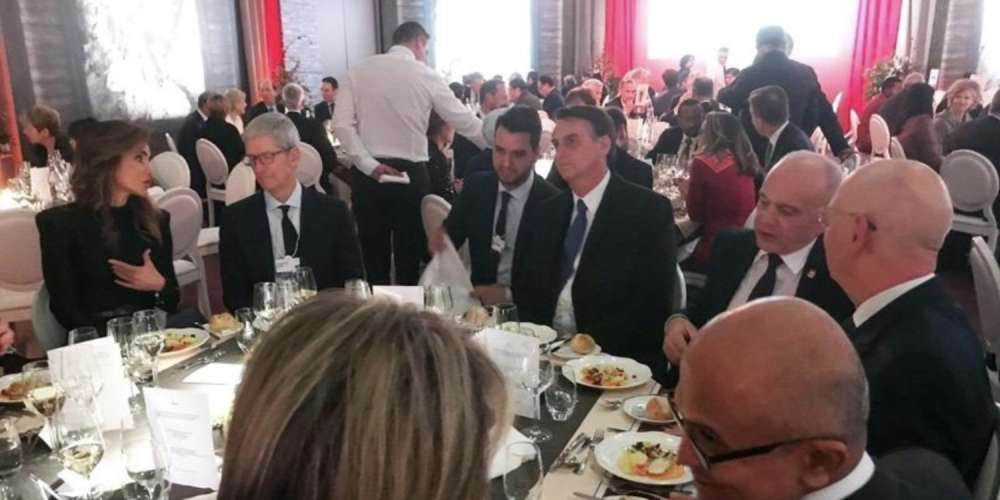 Awkward: Openly Gay Apple CEO Tim Cook Dines With Brazil's 'Proud Homophobe' Bolsonaro