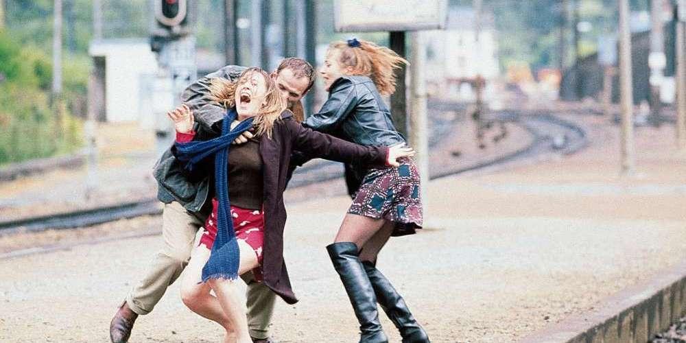 法國經典同志電影《愛我就搭火車》適逢20週年推出數位修復版,知名已故出櫃導演生前代表作再現