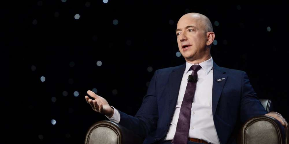 Amazon CEO Jeff Bezos Accuses 'National Enquirer' of Extortion and Blackmail Over Nude Pics