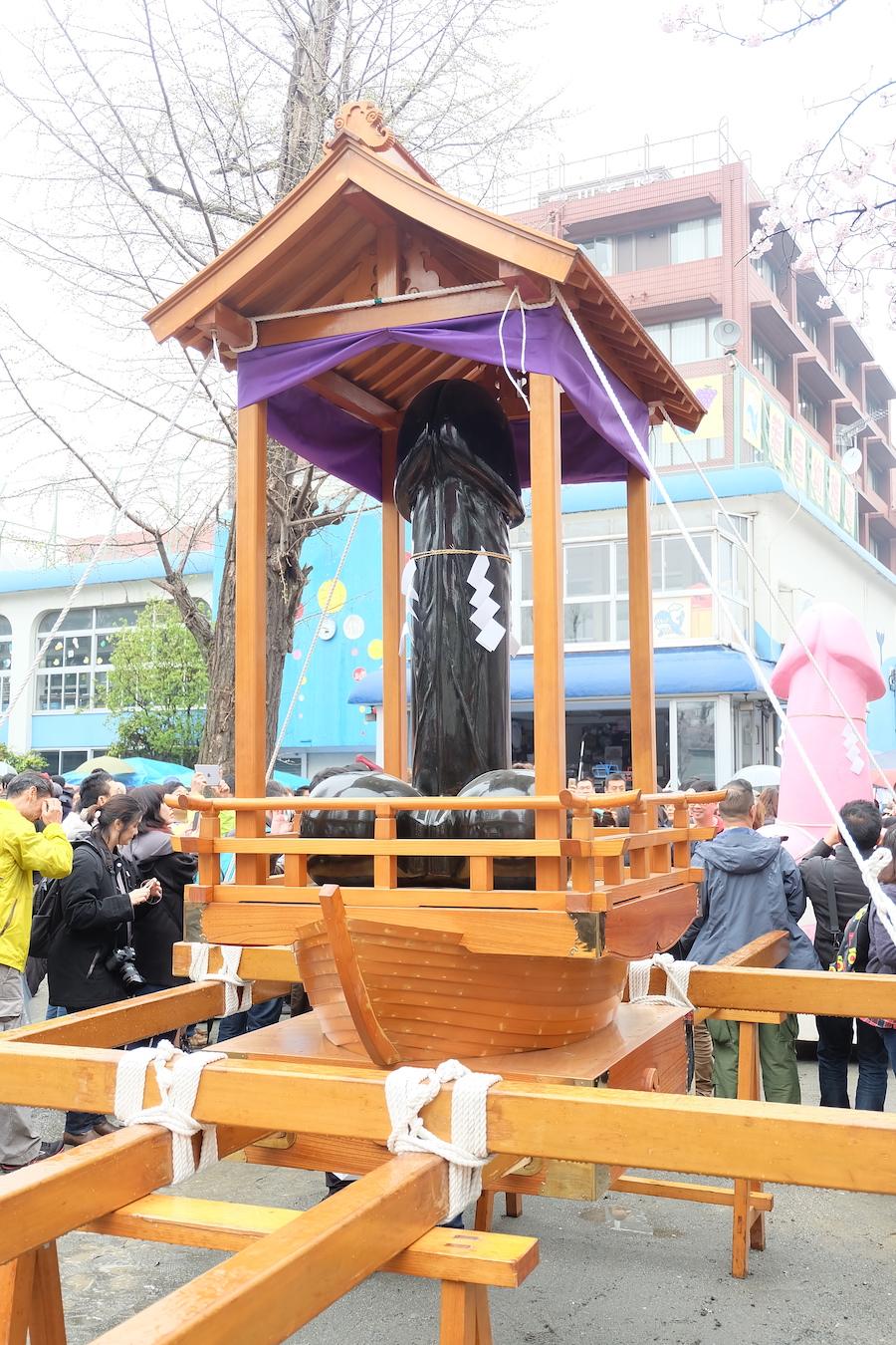 japanese penis festival Kanamara Matsuri 3