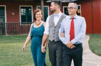 Pai celebra casamento
