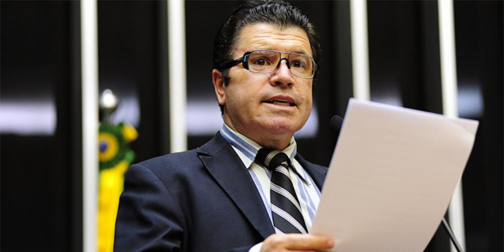 Victório Galli, assessor de Bolsonaro, é condenado em R$ 100 mil por homofobia