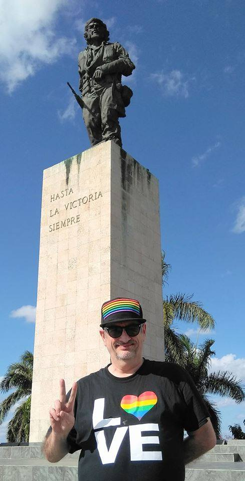 michael petrelis che statue