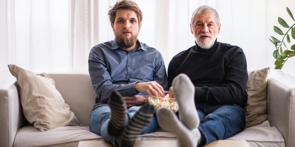 Curte homens mais velhos? Se liga no Reversa Entrê desse mês