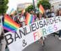 Première marche des fiertés en banlieue: les photos