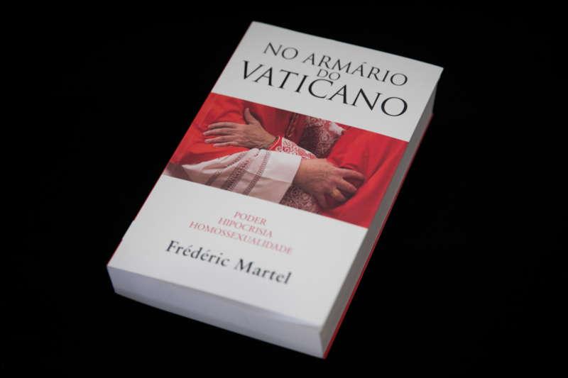 Livro escancara orgias gays no Vaticano