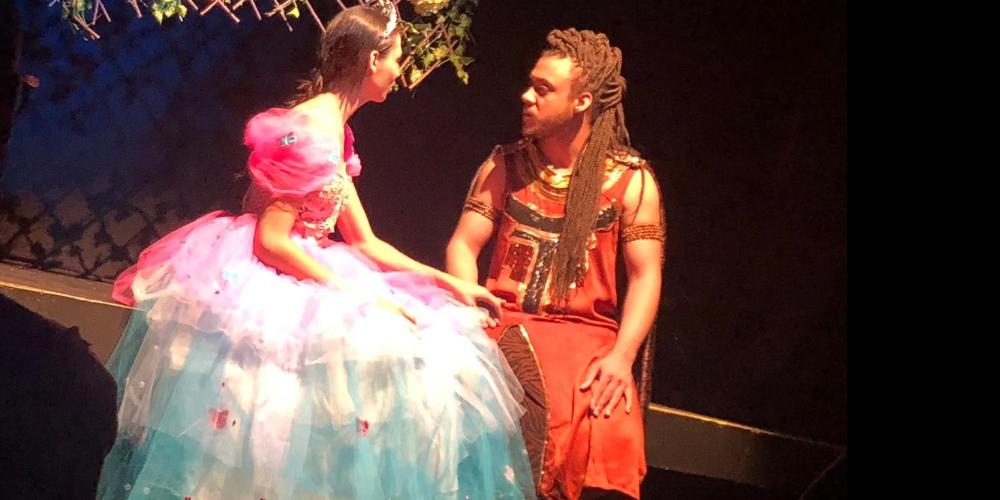 Transderella traz aos palcos Cinderella trans e estende temporada em São Paulo