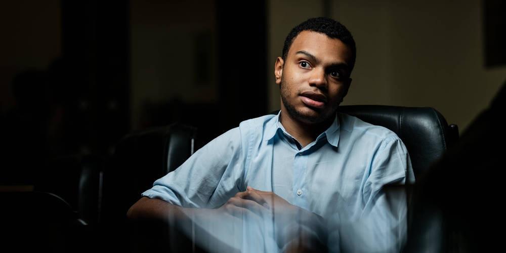 Fernando Holiday é chamado de 'macaca de auditório' por vereador na Câmara de SP