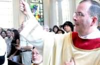 Padre vai preso por roubar dinheiro da igreja