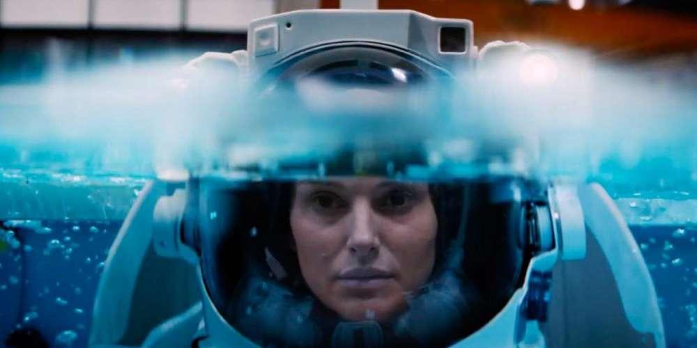 У фильма «Бледная синяя точка», рассказывающего  об экзистенциальном кризисе астронавтки, к сожалению, так же не все идёт гладко