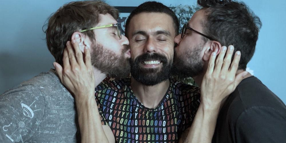 Bixa Velha: Bocast traz episódio com discussão sobre as dificuldades do LGBT de meia idade