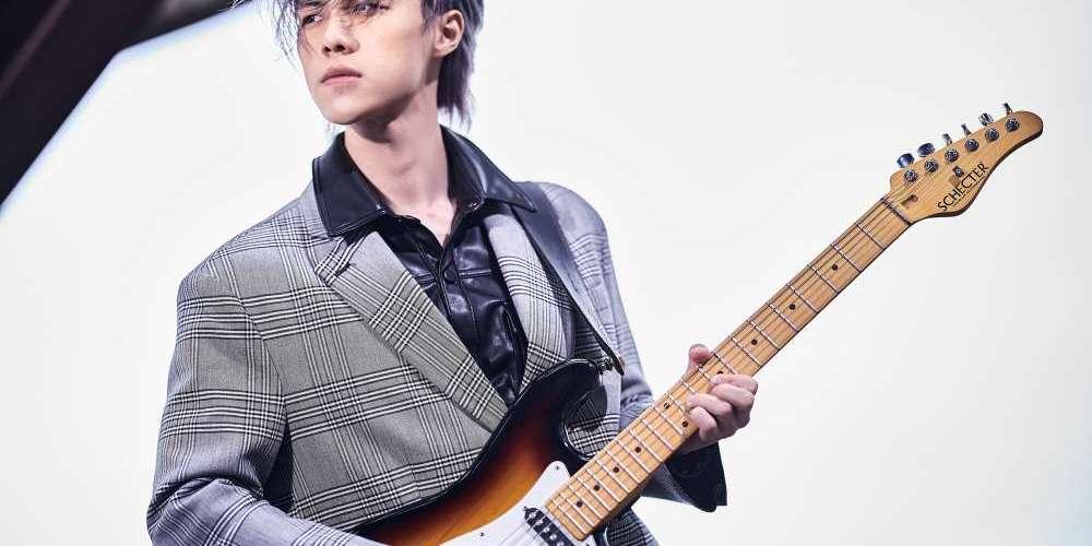 吉他手JK首挑大樑 詮釋遊子異地打拼心情 太保沉默送機 一個眼神傳遞父親的溫暖