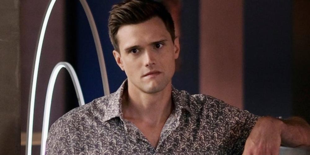 Hartley Sawyer, astro de The Flash é demitido após tweets racistas, machistas e homofóbicos