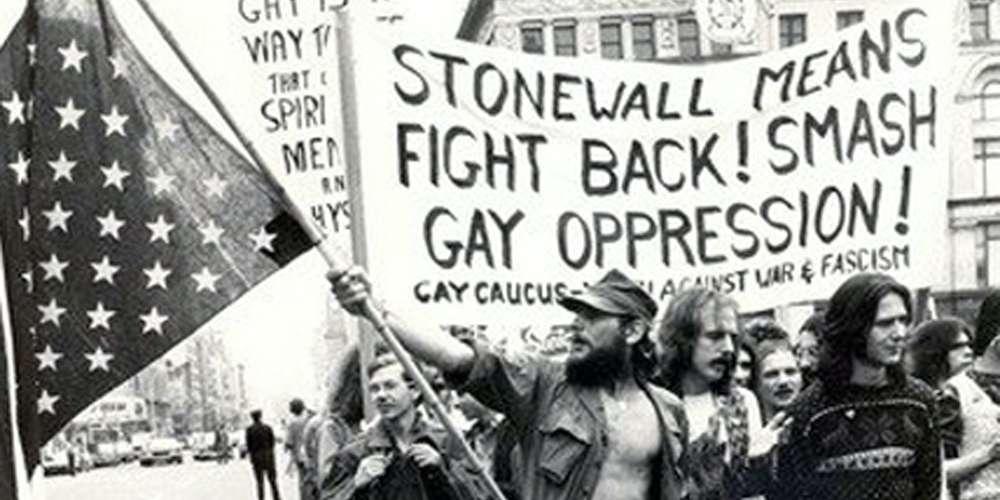 «Дадим отпор»: Краткая история жестокой битвы за права ЛГБТК